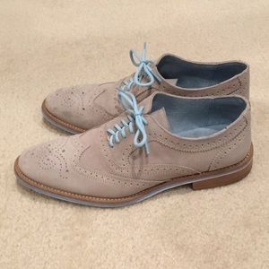 Men's tan suede shoes with light blue 8